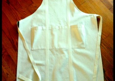 Customer used 10 oz Canvas Fabric and Natural Cotton Twill Tape to make a custom apron with a subtle Brooklyn Bridge feel. A perfect, thoughtful gift!