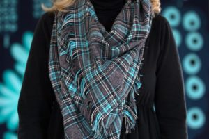 https://www.ehow.com/ehow-crafts/blog/make-a-handmade-plaid-flannel-and-fringe-scarf/?utm_source=pinterest.com&utm_medium=referral&utm_content=blog&utm_campaign=fanpage&crlt.pid=camp.PKng22CB71DW&crlt.pid=camp.AVnCoVx4WE1d&crlt.pid=camp.Tpol5AbHEwTj